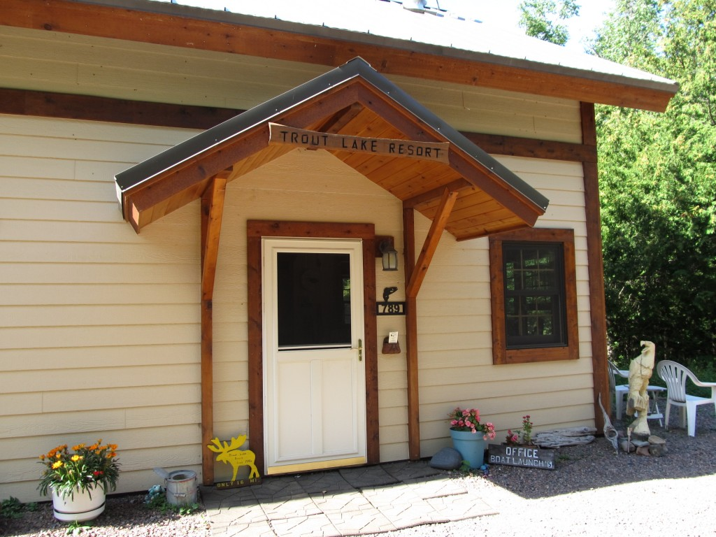 Trout Lake Resort Lodge and Office