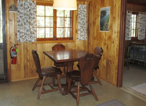 Cabin 4 Dining